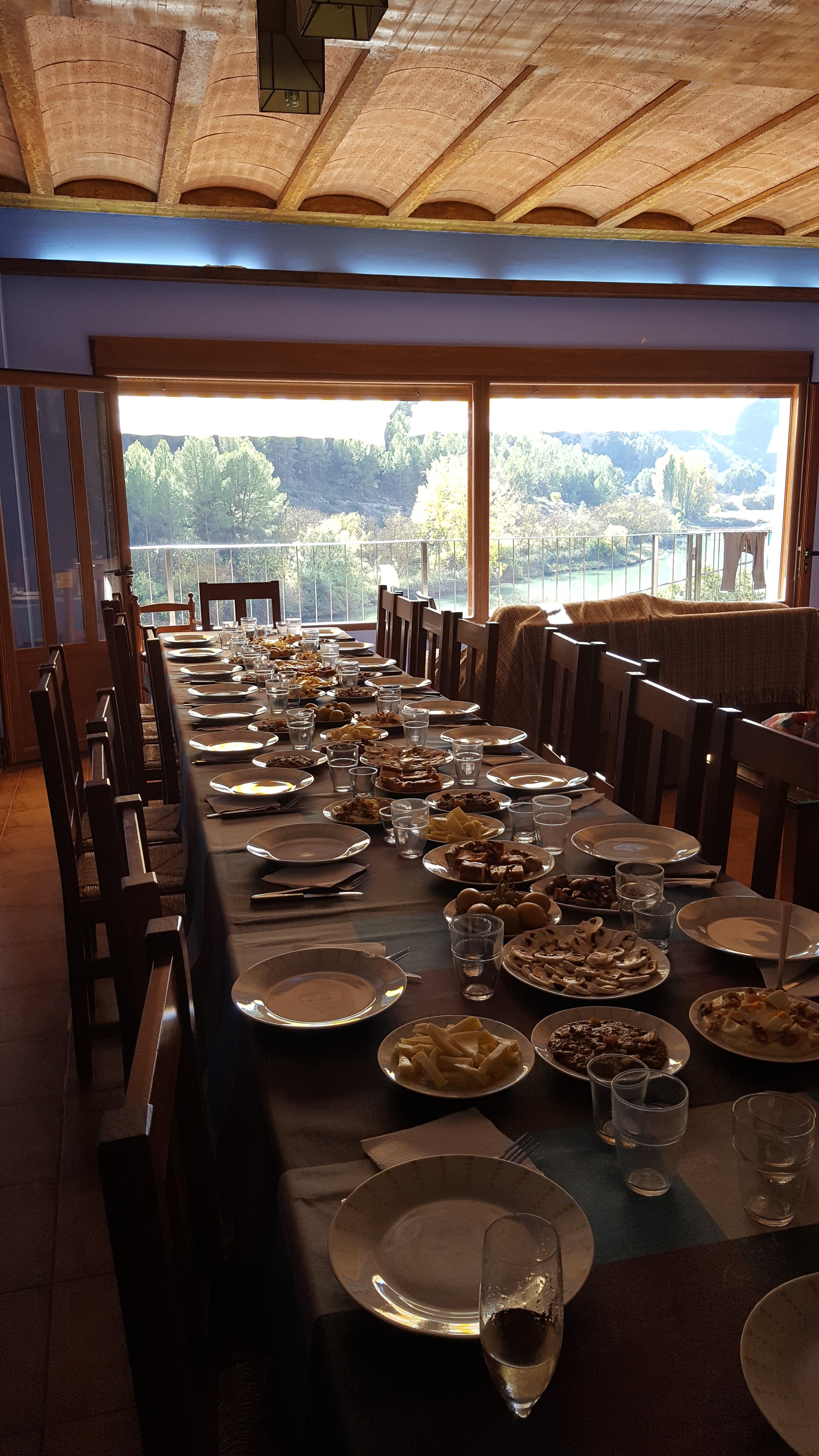 a7dd1cc3ff4ee salon para reuniiones en casas rurales en tolosa Alcala del jucar. multiaventura  los olivos